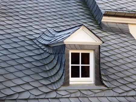 スレートの屋根(イメージ)
