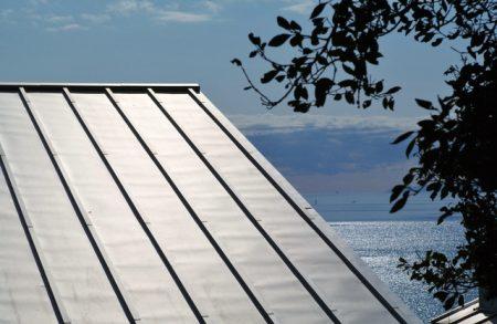 ガルバリウム鋼板の屋根(イメージ)