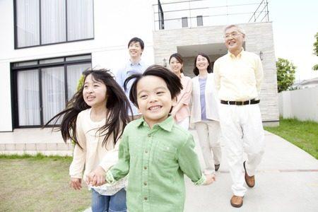 二世帯住宅の相場はどのくらい?工務店に頼んだほうが安いって本当?