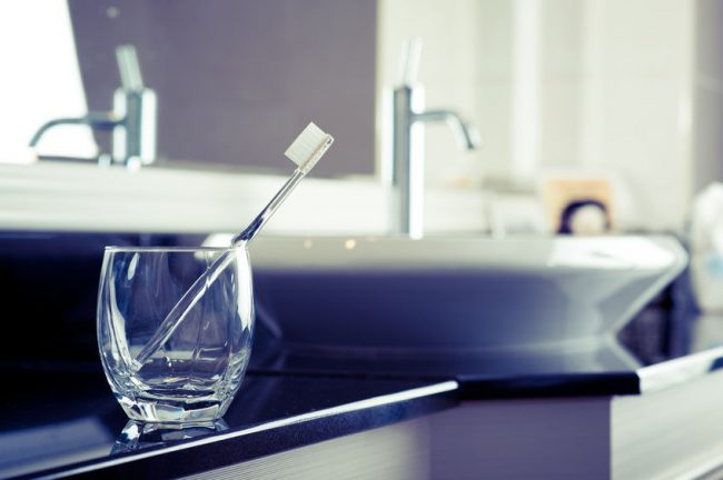 洗面所にある歯ブラシ