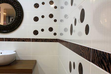 リフォームして洗面所のイメージを変えよう!機能的でおしゃれな壁紙とタイルをご紹介