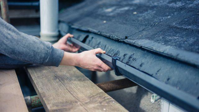 黒い雨樋の修理イメージ