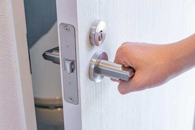 トイレの扉・ドアは種類に注意