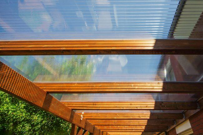 ポリカ製のテラス屋根